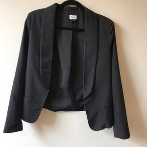 Tobi Open-Front Women's Blazer in Black